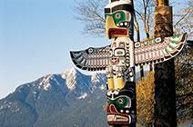 Foto de tótem en reserva de Vancouver