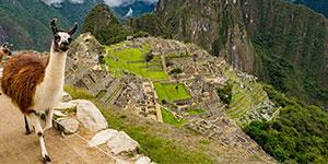 Foto de pirámide de ruinas de Moray en Cuzco